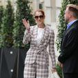Céline Dion quitte l'hôtel Royal Monceau pour se rendre à Nice où elle est en concert le 20 juillet 2017.