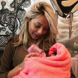 Nehuda, heureuse maman de Laïa. Mai 2017.