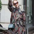 Céline Dion quitte son hôtel le Royal Monceau à Paris pour se rendre se rendre à Berlin en Allemagne ou elle donnera un concert au Mercedes-Benz Arena le 23 juillet 2017.