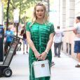 Hilary Duff et Molly Bernard sur le tournage de la série Younger à New York, le 12 juin 2017.