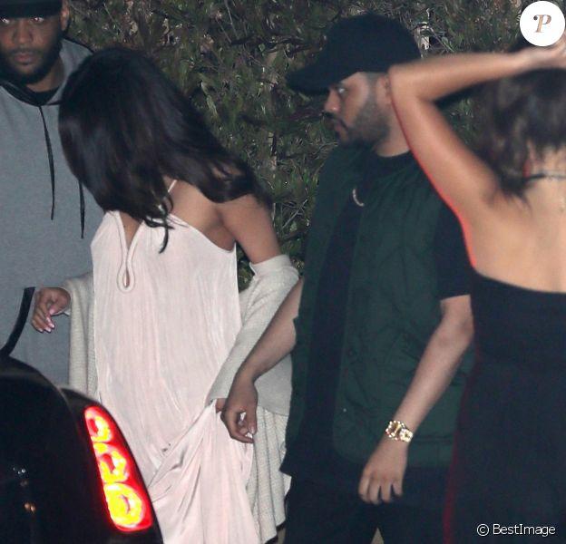 Selena Gomez et son compagnon The Weeknd sont allés diner au restaurant Soho House à Malibu, le 23 juillet 2017