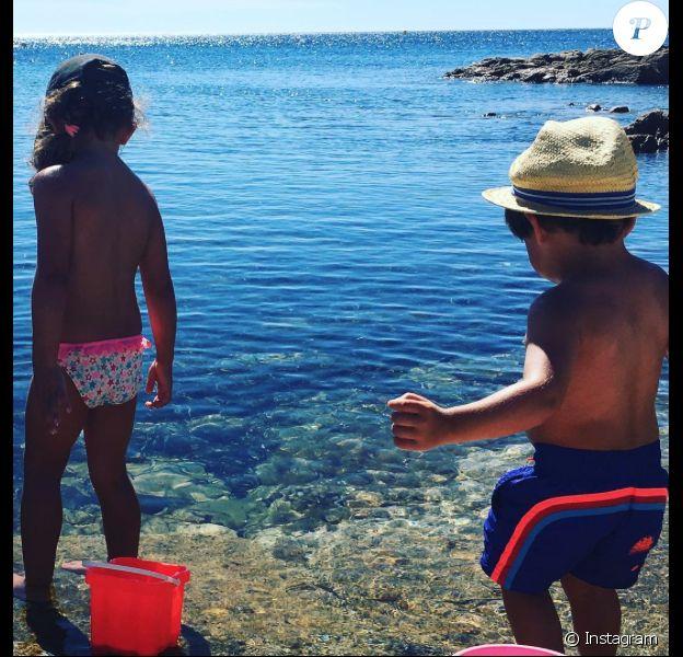Charlie et Alphonse, les enfants d'Alessandra Sublet, le 26 juillet 2017.