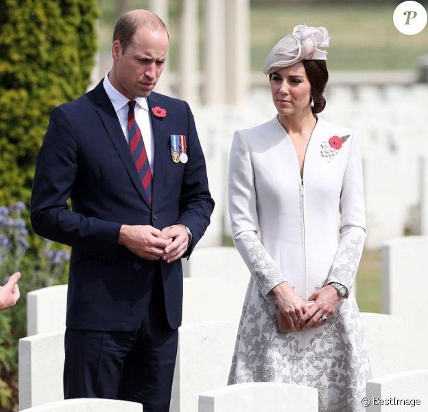 Le prince William, duc de Cambridge, et Kate Middleton, duchesse de Cambridge, ont visité le cimetière militaire Bedford House près d'Ypres en Belgique le 31 juillet 2017, jour du centenaire de la Bataille de Passchendaele.