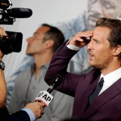 Matthew McConaughey apprenant en direct la mort de son ancien partenaire Sam Shepard - Avant-première du film La Tour sombre le 31 juillet à New York