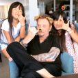 Johnny Hallyday en vacances en Bretagne avec ses filles Jade et Joy le 16 juillet 2017