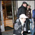 Rocco, en short au mois de février, au centre de la Kabbale de New York, le 6/02/09