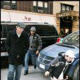 Guy Ritchie et Rocco, toujours en short, au centre de la Kabbale de New York, le 6/02/09
