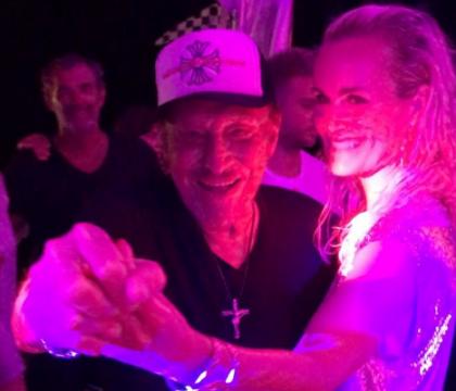 Laeticia et Johnny Hallyday : Grosse fiesta et danse langoureuse sur Despacito