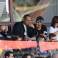 Neymar Jr entouré de son père Neymar da Silva Sr, de sa mère Nadine Gonçalves (Santos) et de son ami Jô Amancio regardant depuis les tribunes le premier match de la saison 2017-2018 de Ligue 1 Paris Saint-Germain (PSG) contre Amiens (ASC) au parc des princes à Paris, le 5 août 2017.© Giancarlo Gorassini/Bestimage