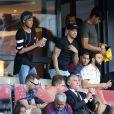 Neymar Jr, son ami Jô Amancio et son agent Wagner Ribeiro regardant depuis les tribunes le premier match de la saison 2017-2018 de Ligue 1 Paris Saint-Germain (PSG) contre Amiens (ASC) au parc des princes à Paris, le 5 août 2017.© Giancarlo Gorassini/Bestimage