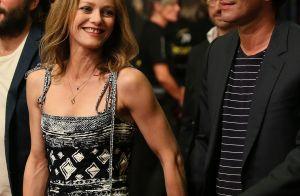 Vanessa Paradis et Samuel Benchetrit main dans la main, un couple qui a du chien