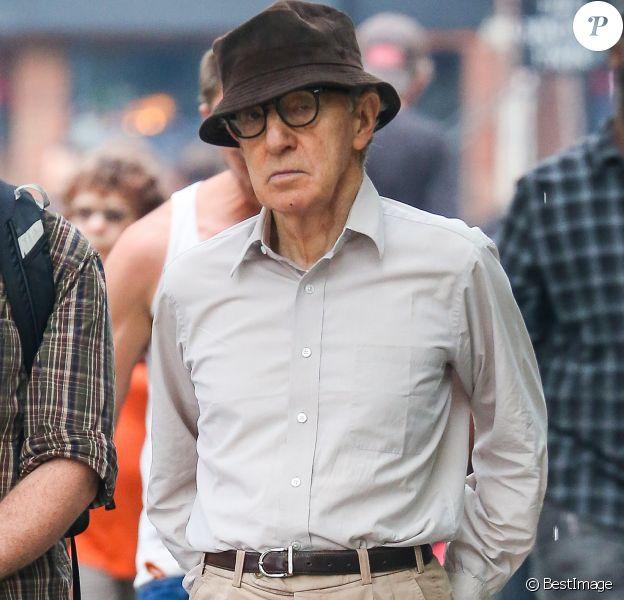 Woody Allen et Vittorio Storaro font des repérages dans le quartier de East Village à New York le 2 aout 2017.