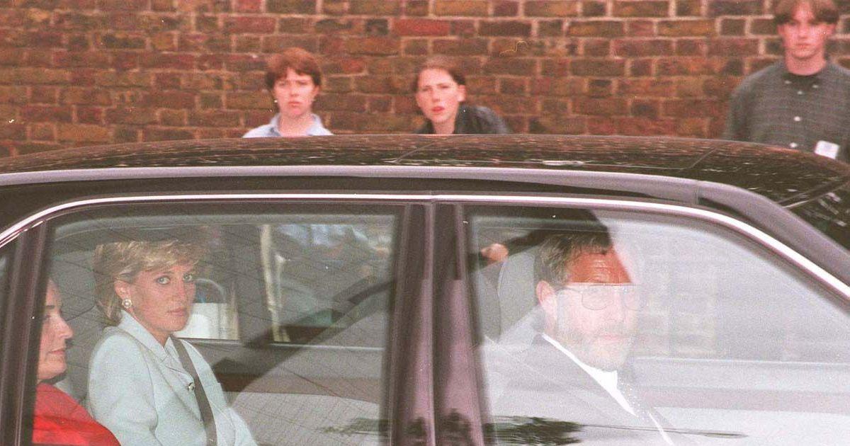 la princesse diana en voiture en juillet 1996 londres purepeople. Black Bedroom Furniture Sets. Home Design Ideas