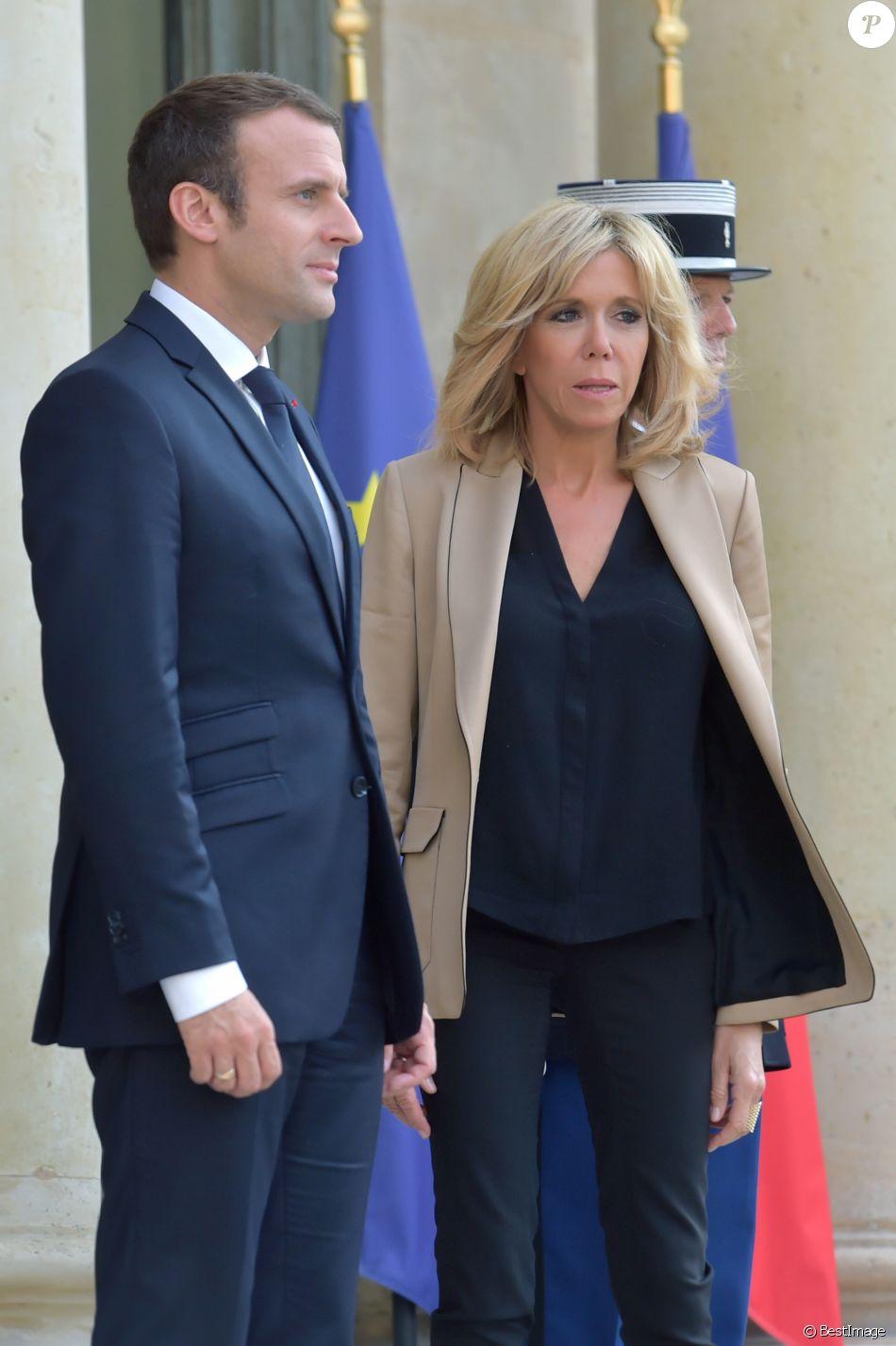 Emmanuel macron amoureux de sa femme [PUNIQRANDLINE-(au-dating-names.txt) 31