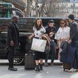 Victoria Beckham et son fils Brooklyn arrivent à la Gare du Nord à Paris pour prendre l'Eurostar. Le 11 mars 2017.