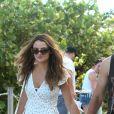 Miles Teller et sa compagne Keleigh Sperry sur une plage à Miami. Le 11 juillet 2017