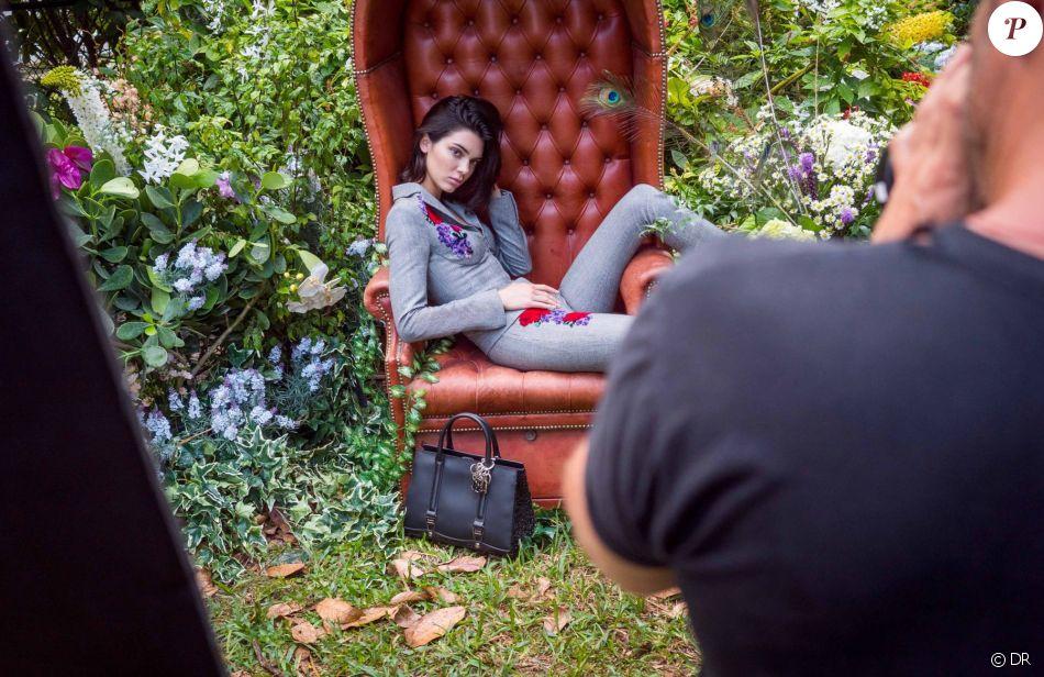 Kendall Jenner en shooting pour la nouvelle campagne de La Perla.