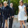 Brigitte Macron (Trogneux) et la femme du président de la Roumanie Carmen Iohannis lors de la cérémonie d'accueil du couple présidentiel français au palais Cotroceni à Bucarest le 24 août 2017. © Pierre Perusseau / Bestimage