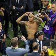 Neymar Jr lors de sa présentation au public au stade du parc des princes à Paris, le 5 août 2017.