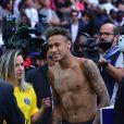 Neymar Jr lors de sa présentation au public au stade du parc des princes à Paris, le 5 août 2017. © Giancarlo Gorassini/Bestimage