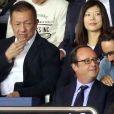 François Hollande et son fils Thomas Hollande - Match entre le PSG et Saint-Etienne, au Parc des Princes, à Paris, le 25 Août 2017.