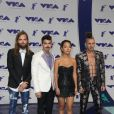 DNCE (Joe Jonas, Jack Lawless, Cole Whittle et JinJoo Lee) aux MTV Video Music Awards 2017, au Forum. Inglewood, le 27 août 2017.