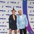 Joan Smalls et son compagnon Bernard Smith aux MTV Video Music Awards 2017, au Forum. Inglewood, le 27 août 2017.