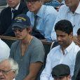 """Leonardo DiCaprio à Roland-Garros en 2013. On peut voir Charles, candidat de """"Secret Story 11"""" être à ses côtés."""
