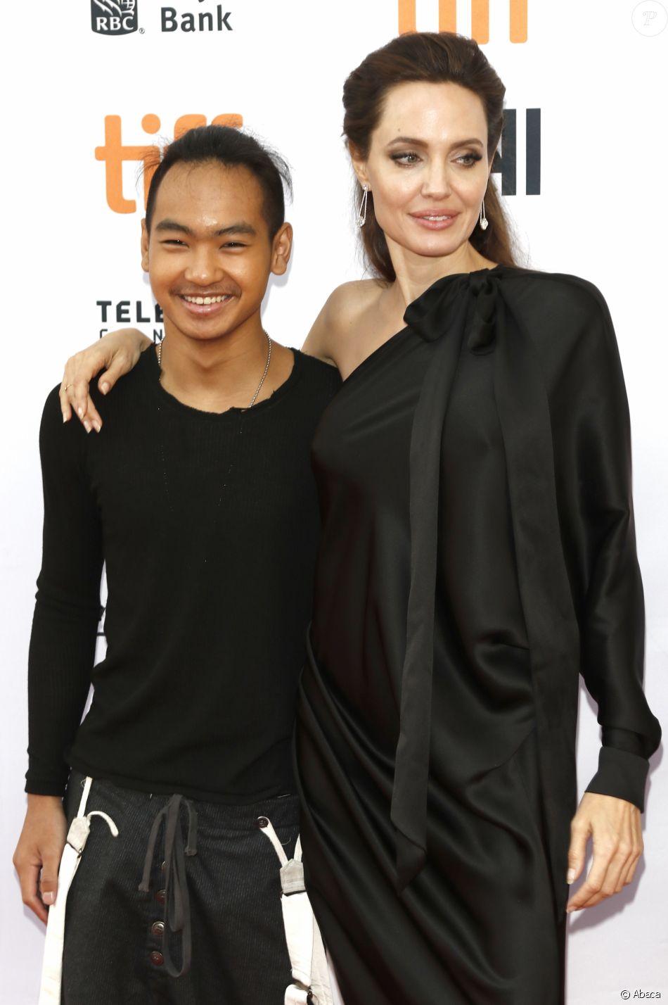 Maddox Jolie-Pitt et Angelina Jolie à la première de 'First They Killed My Father: A Daughter of Cambodia Remembers' au Toronto International Film Festival le 11 septembre 2017.
