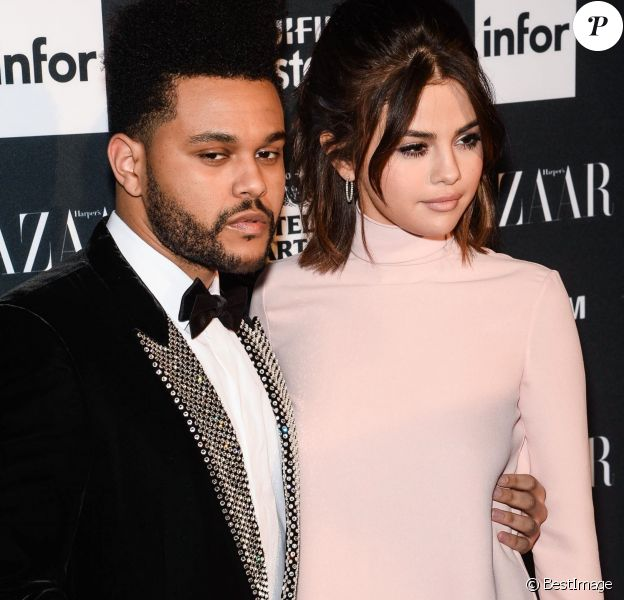 """Selena Gomez et son compagnon The Weeknd lors de la soirée """"ICONS By C. Roitfeld"""" à New York le 8 septembre 2017."""