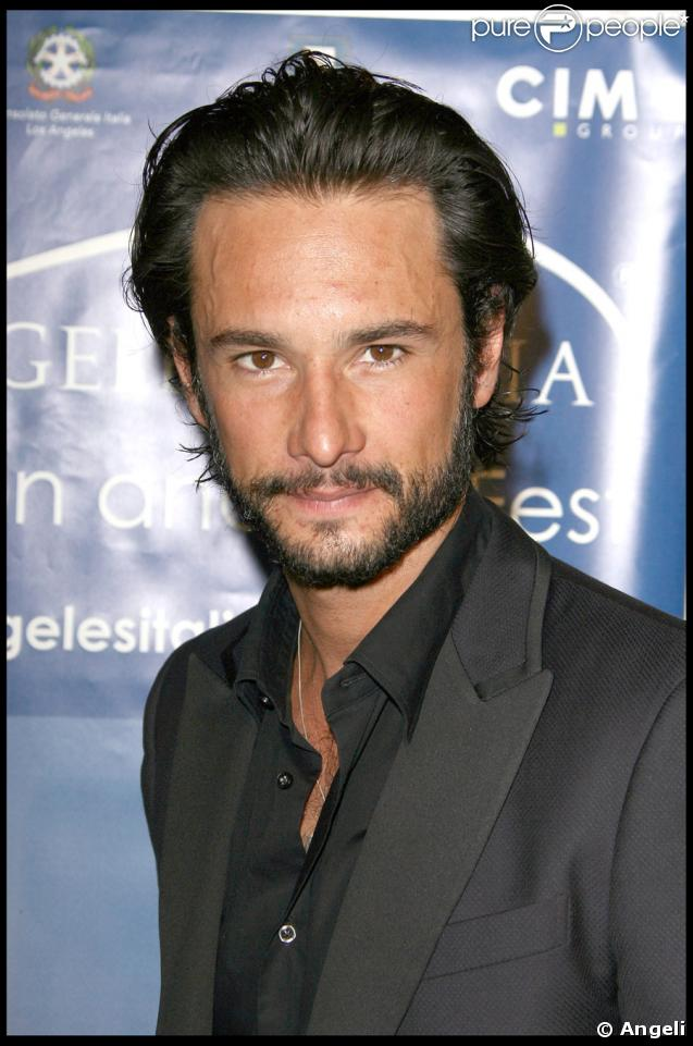 4e festival du film italien de los angeles rodrigo santoro un des beaux gosses de l 39 v nement. Black Bedroom Furniture Sets. Home Design Ideas