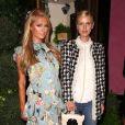 Paris Hilton et sa soeur Nicky Hilton Rothschild (enceinte) lors du défilé Alice+Olivia by Stacey à la Fashion Week aux studios Skylight Clarkson à New York, le 12 septembre 2017. © Sonia Moskowitz/Globe Photos/Zuma Press/Bestimage