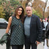 Jean Reno : Malade mais souriant à la Fashion Week, avec son épouse Zofia
