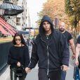 Kourtney Kardashian et son compagnon Younes Bendjima sortent de la boutique Colette et vont à l'hôtel Plaza Athénée à Paris le 26 septembre 2017