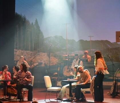 Welcome to Woodstock : Le Summer of love en plein coeur de Paris !