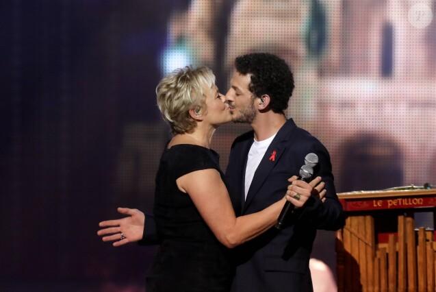 """Exclusif - Muriel Robin et Vincent Dedienne - Tournage de l'émission """"Tous au Moulin Rouge pour le Sidaction"""" au Moulin Rouge à Paris le 20 mars. © Cyril Moreau - Dominique Jacovides / Bestimage"""