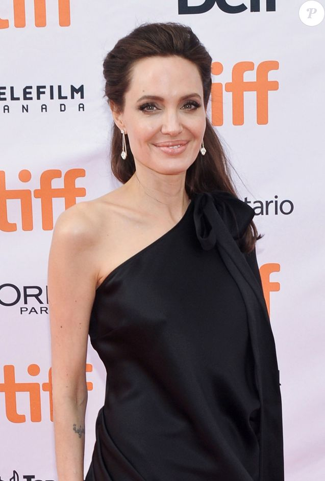 "Angelina Jolie lors de la première de ""First they killed my father"" de Angelina Jolie au Festival International du film de Toronto (TIFF) le 11 septembre 2017. © Brent Perniac/AdMedia via ZUMA Wire/Bestimage 11/09/2017 - Toronto"