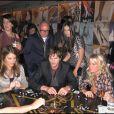 Maria Menounos, Demi Moore et Ashton Kutcher font une partie de dominos à L.A ! 20/02/09