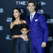 Cristiano Ronaldo pose en famille, à quelques jours de l'accouchement