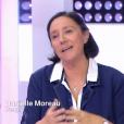 """La chroniqueuse de Danielle Moreau dans """"C'est au programme"""", présenté par Sophie Davant, le 17 octobre 2017 sur France 2."""
