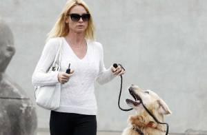 Nicollette Sheridan depuis son départ de Desperate Housewives, c'est... jamais sans mon chien !