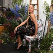 """Noémie Lenoir : Beauté florale face aux """"filles de"""" parisiennes"""