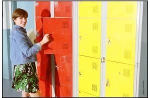 Anaïs retourne sur les bancs du lycée avec... son premier amour ! Regardez la vidéo !