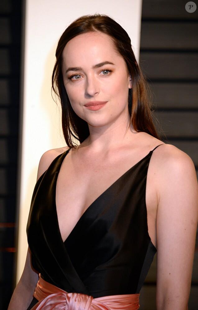 Dakota Johnson - People à la soirée Vanity Fair en marge de la cérémonie des Oscar 2017 à Los Angeles le 26 février 2017.