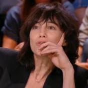 Charlotte Gainsbourg, gênée, reprend Yann Barthès sur la mort de sa soeur