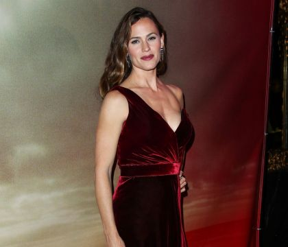 Jennifer Garner : Sublimissime en velours, elle évoque sa vie sentimentale...