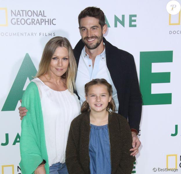 """Jennie Garth avec son mari Dave Abrams et sa fille Lola Ray Facinelli à la première de """"Jane"""" au Hollywood Bowl à Los Angeles, le 9 octobre 2017"""