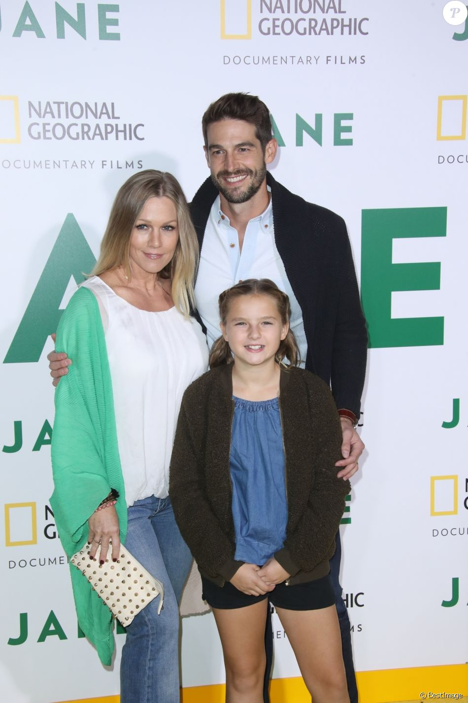"Jennie Garth avec son mari Dave Abrams et sa fille Lola Ray Facinelli à la première de ""Jane"" au Hollywood Bowl à Los Angeles, le 9 octobre 2017"
