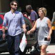 Jennie Garth et son mari Dave Abrams en pleine séance de shopping à Los Angeles Le 26 Août 2016