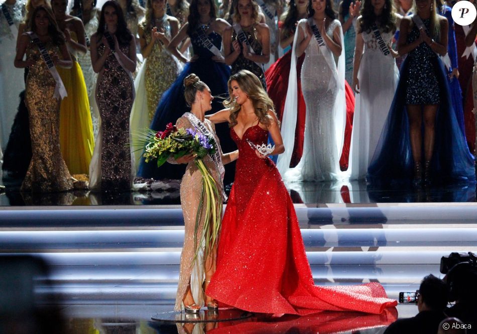 ♔ The Official Thread of MISS UNIVERSE® 2017 Demi-Leigh Nel-Peters of South Africa ♔ 3685273-iris-mittenaere-couronne-miss-afrique-du-950x0-2